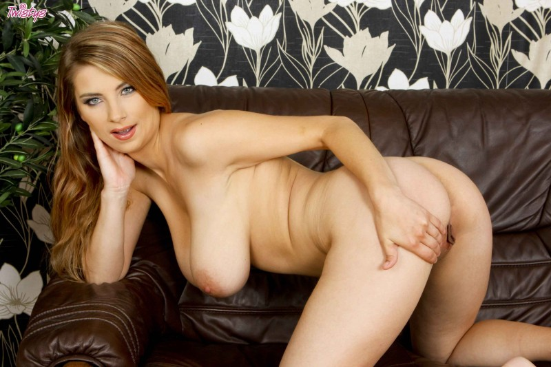 Сочная дама с большими сиськами