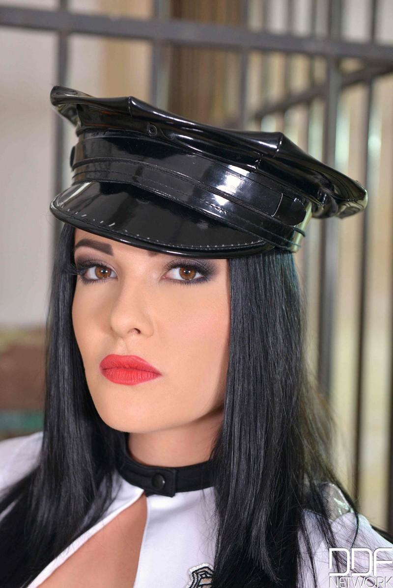 Развратная тетя полицейский