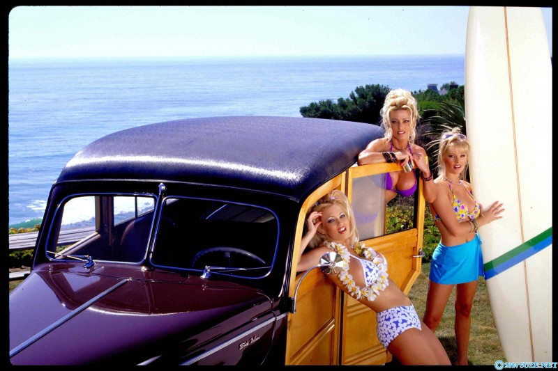 Три блондинки с красивыми попками