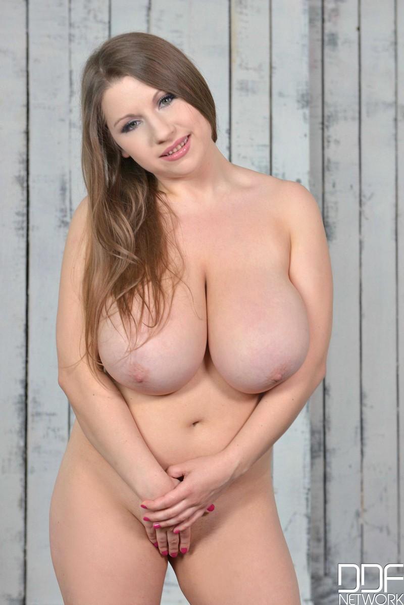 Сочная леди с большими дойками
