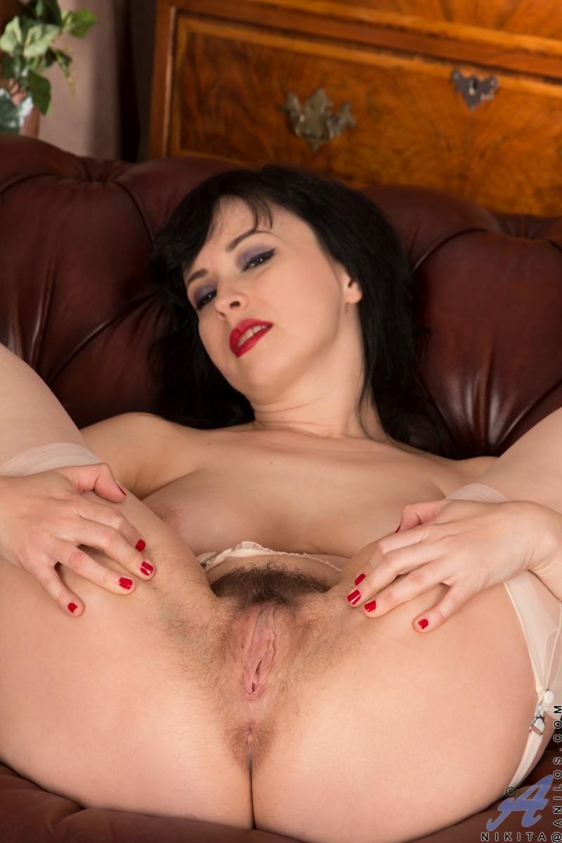 Шикарная леди с большими сиськами