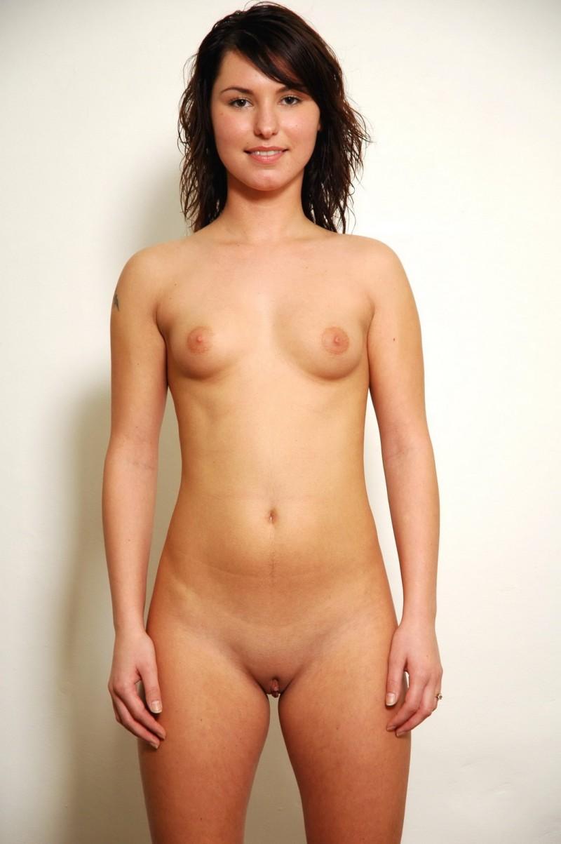 Сексуальная леди с маленькими сиськами