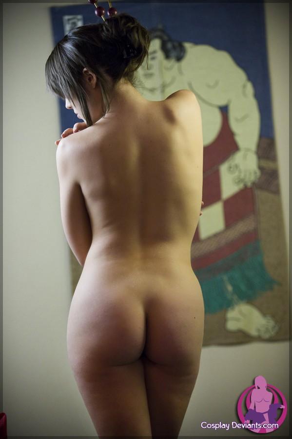 Шикарная сучка с торчащими сосками