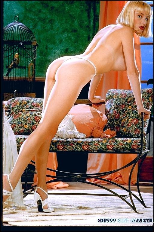 Страстная блондинка с большими сиськами