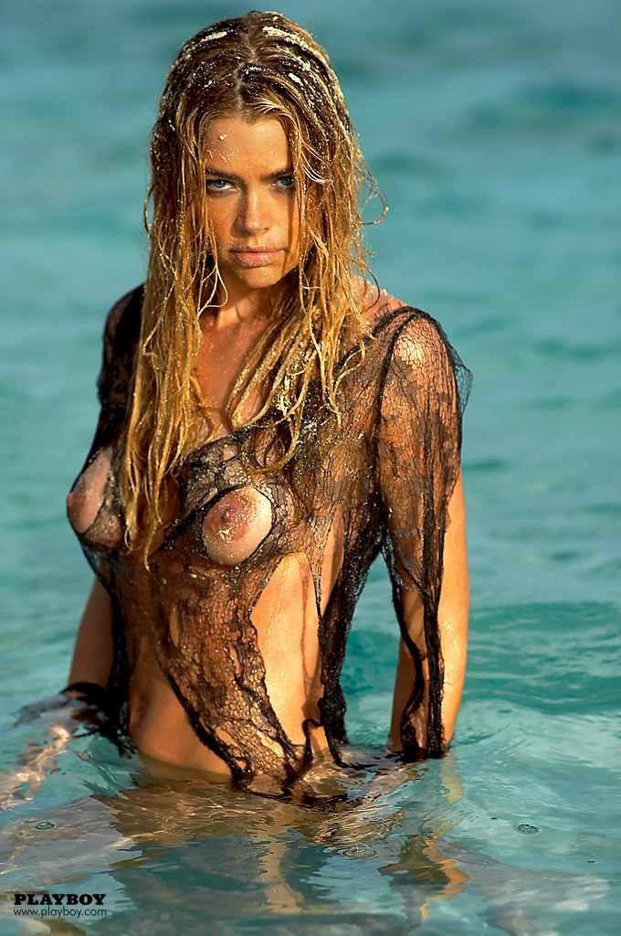 Сексуальная девушка на пляже