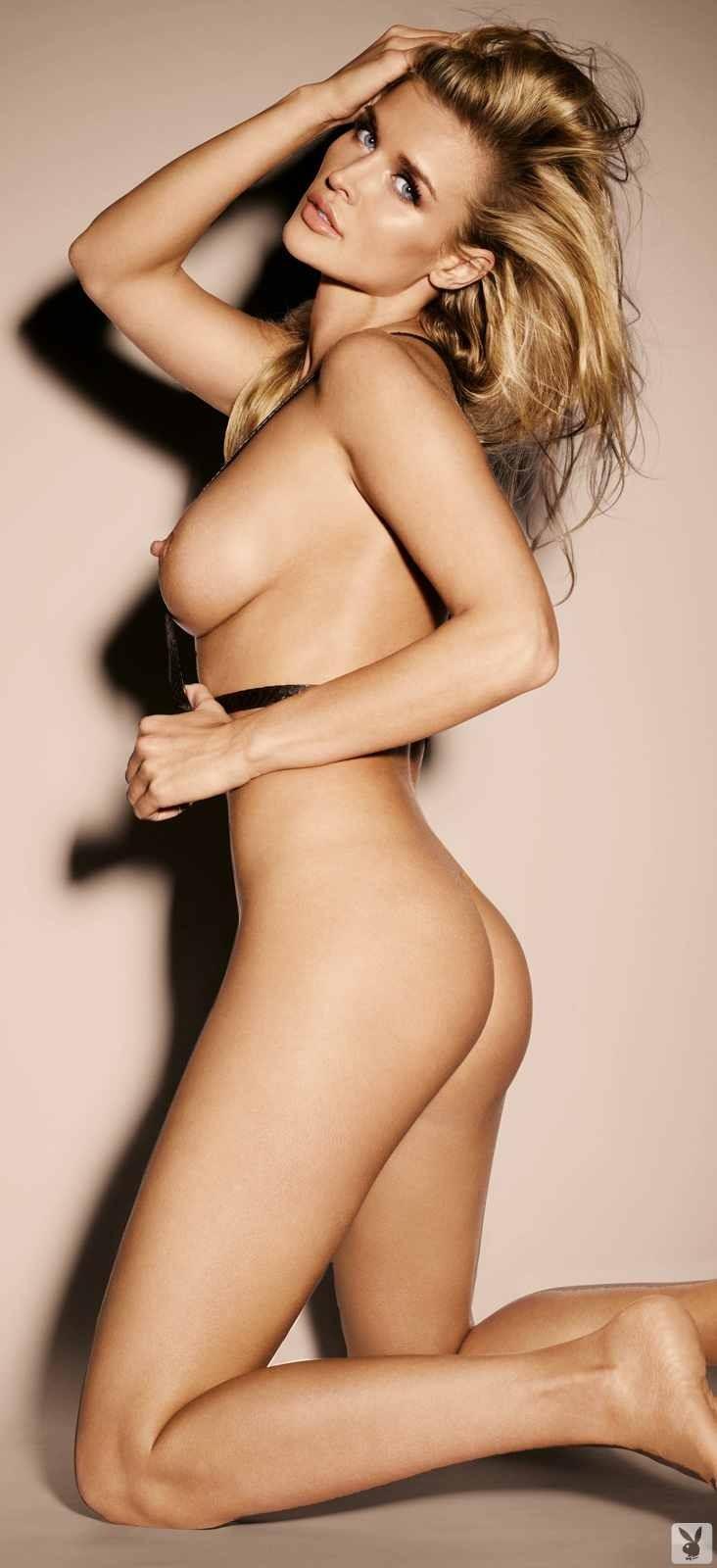 Экстравагантная сучка и её упругая задница