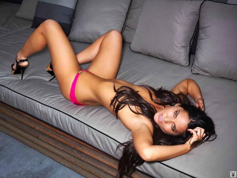Сексуальная девушка и её шикарная задница