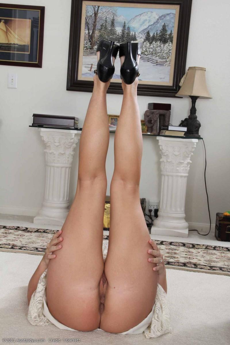 Дама за 40 с красивыми сиськами