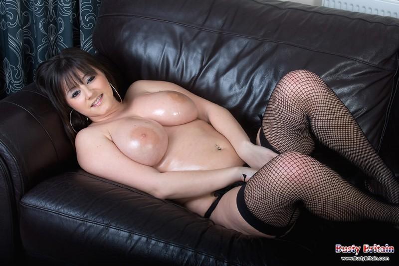 Сочная мадам с большими дойками