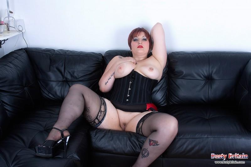 Дама за 40 с большими дойками