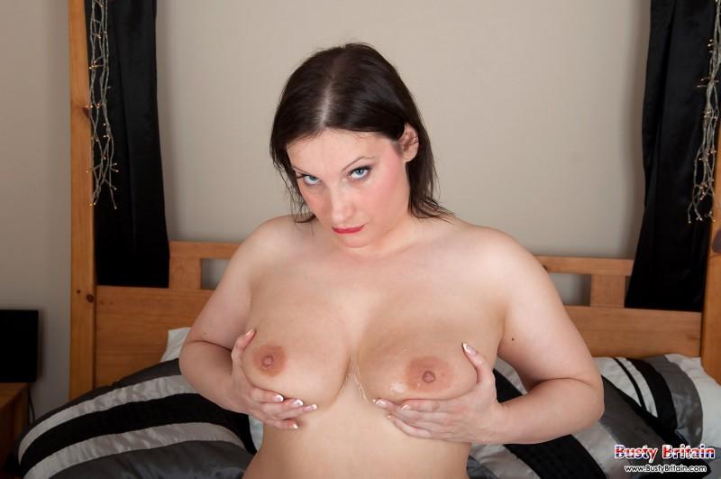 Сочная сексуальная женщина с большими сисяндрами