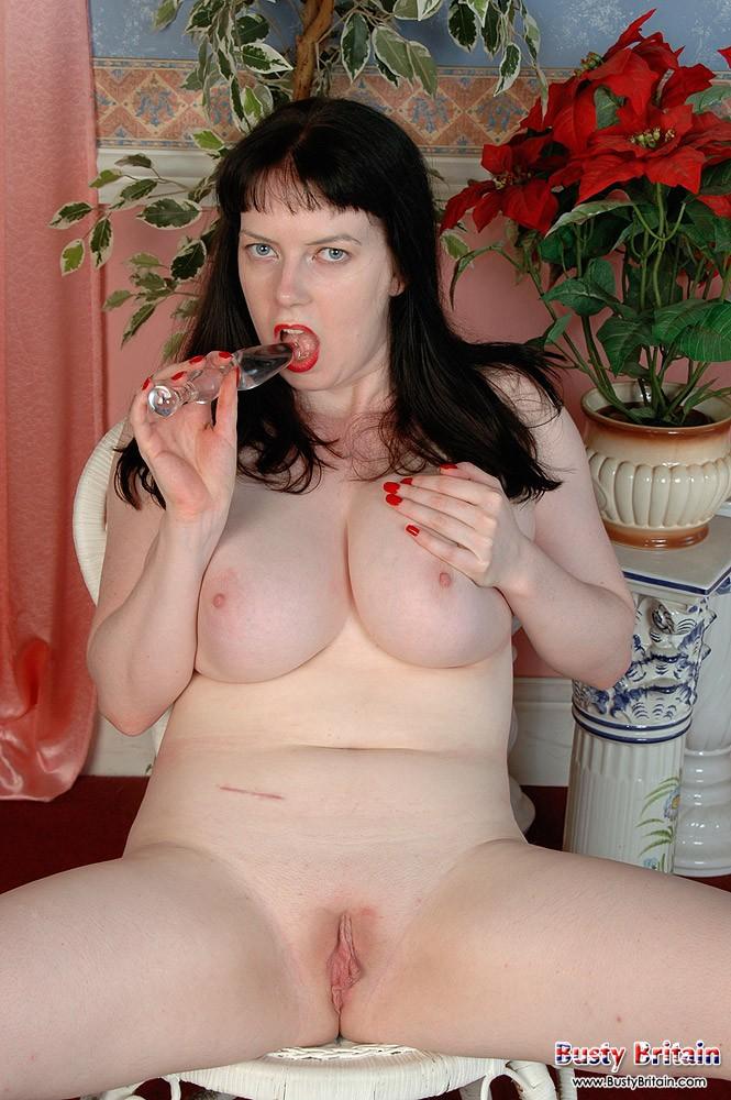 Сексуальная мамаша с красивой пиздой
