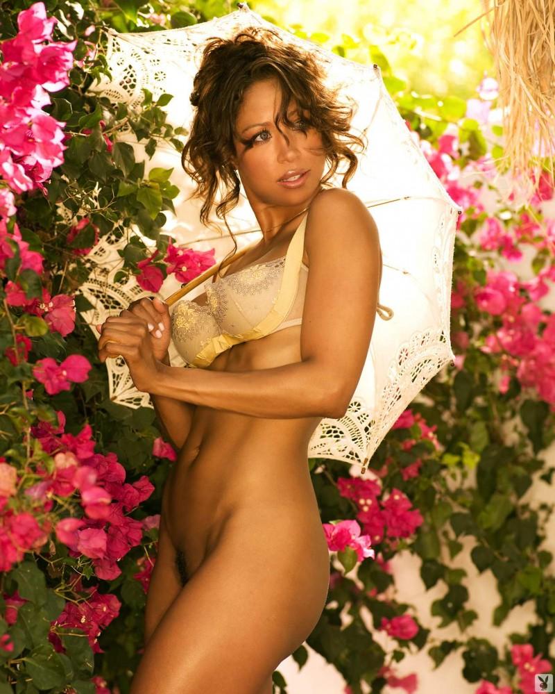 Сексуальная бразильянка показал попку