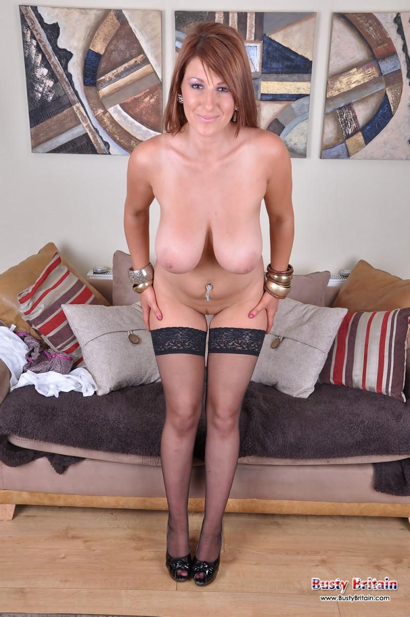 Сексуальная леди в черных чулках