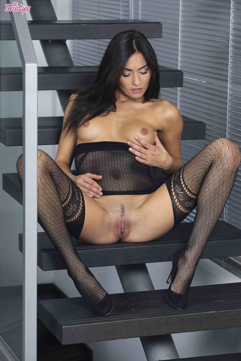 Сексуальная девушка с торчащими сосками