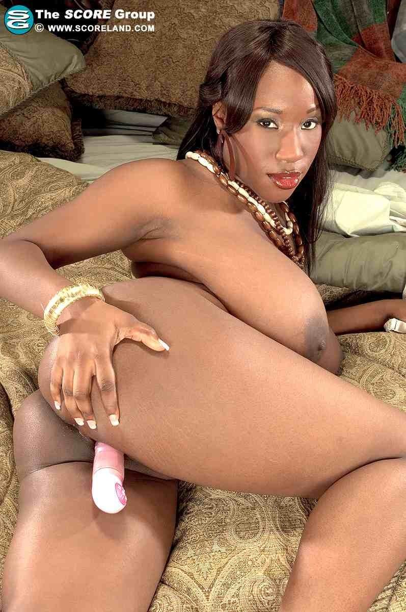 Шикарная бразильянка и её голая жопа