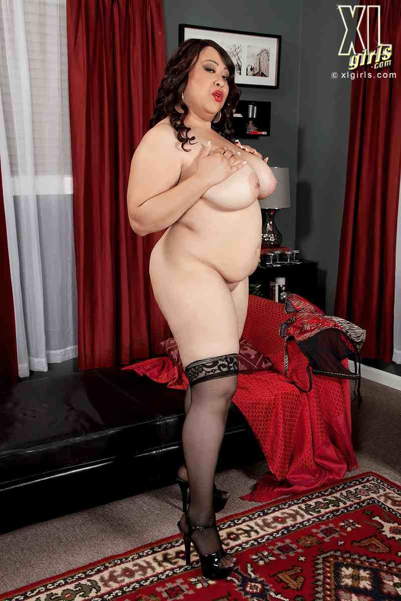 Сексуальная сочная мамаша за 40 с красивой пиздой