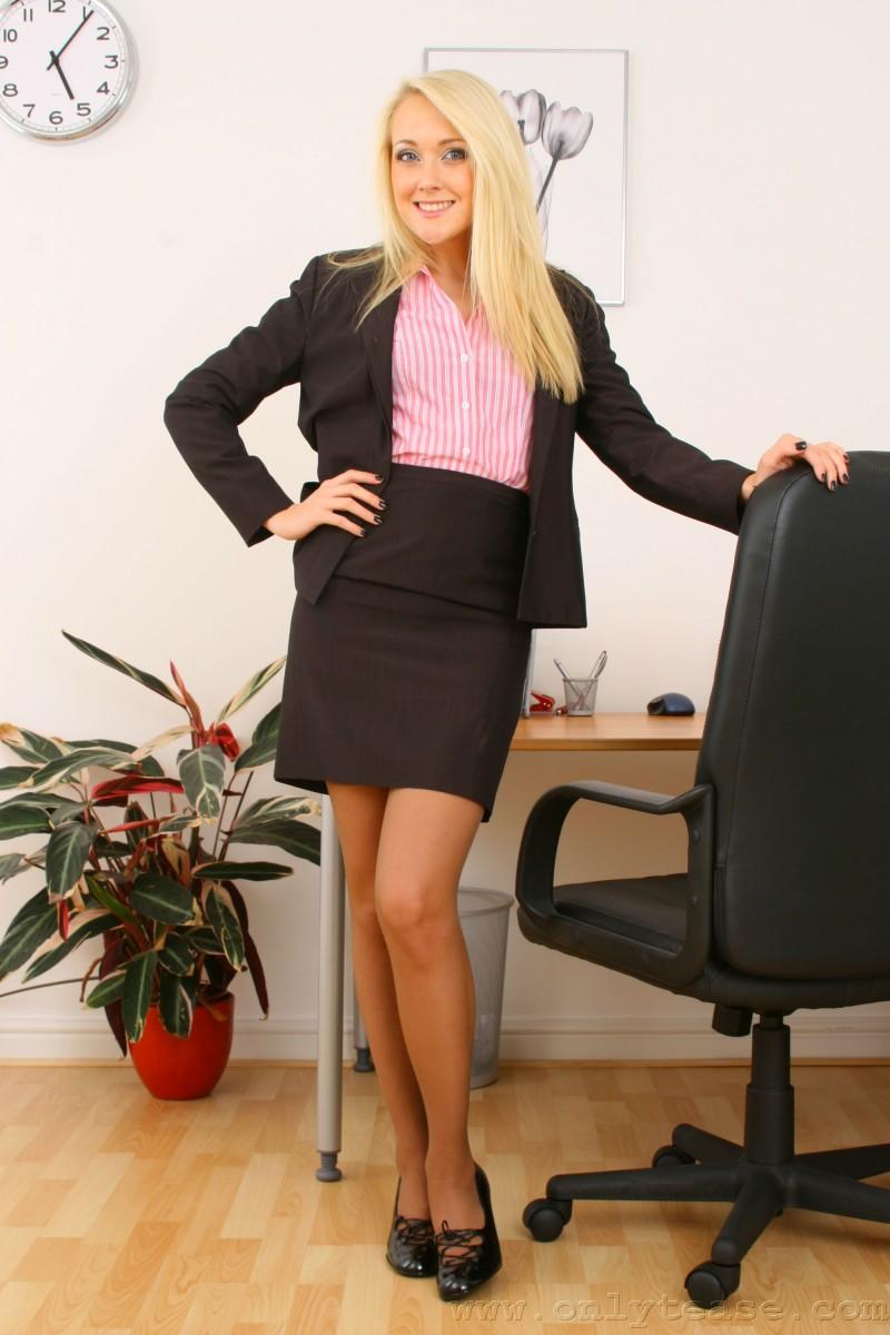 Секретарша не хочет работать!