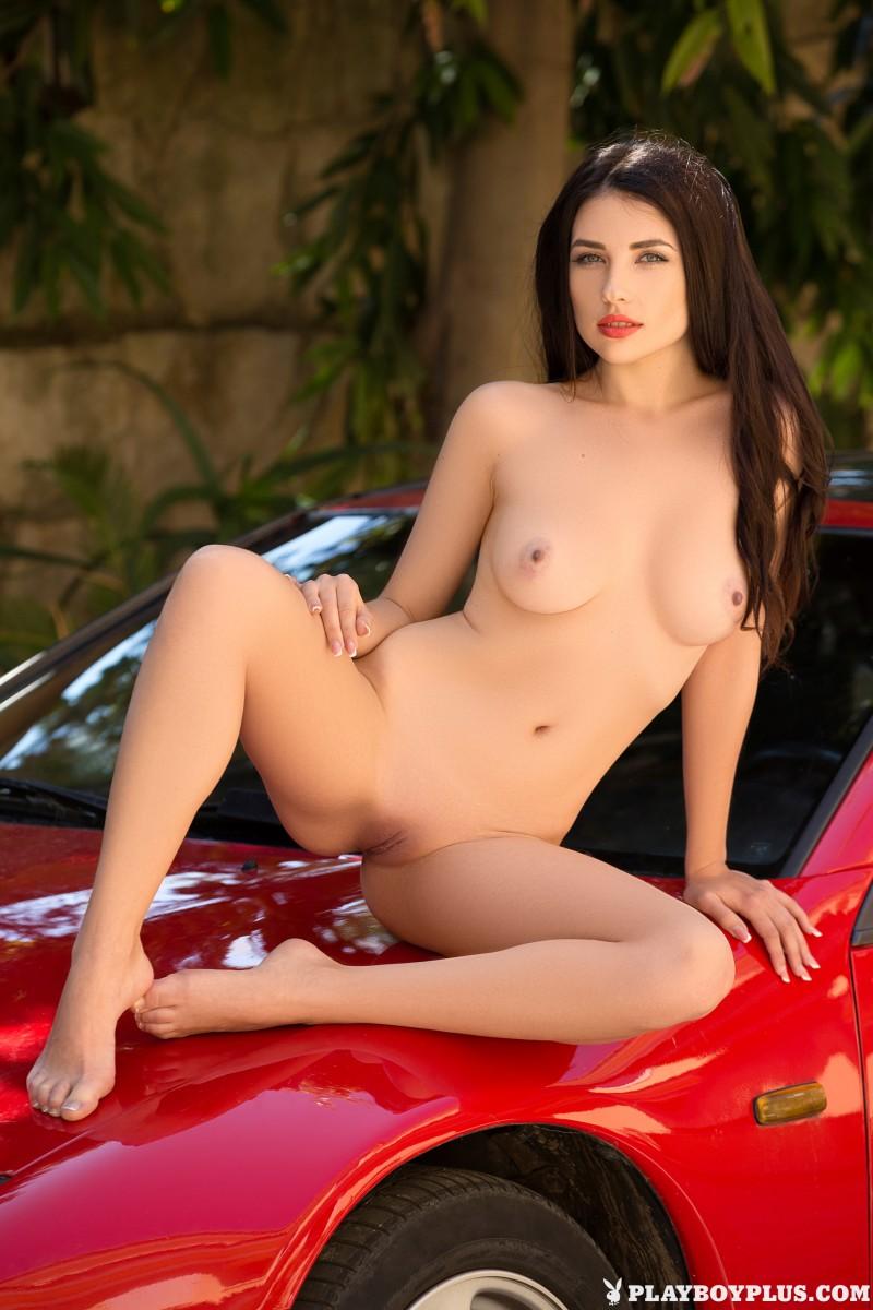 Мойка машины голышом