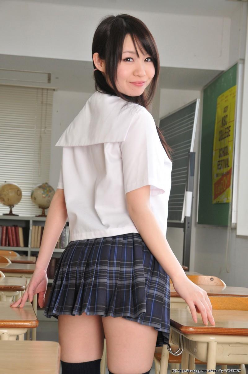 Что у японки под юбкой?