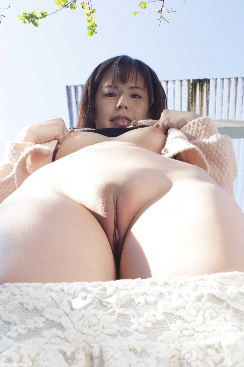 Китаянка с бритой писькой