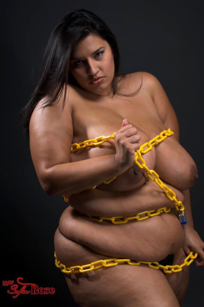 Огромные груди мулатки