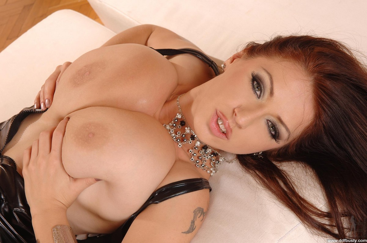 Фото грудастых порнозвёзд, Порно звезды на фото и голые порно актрисы 7 фотография