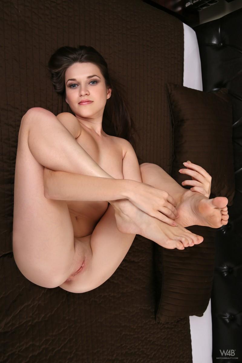 Проститутки москвы с фото голых вагин фото 629-60