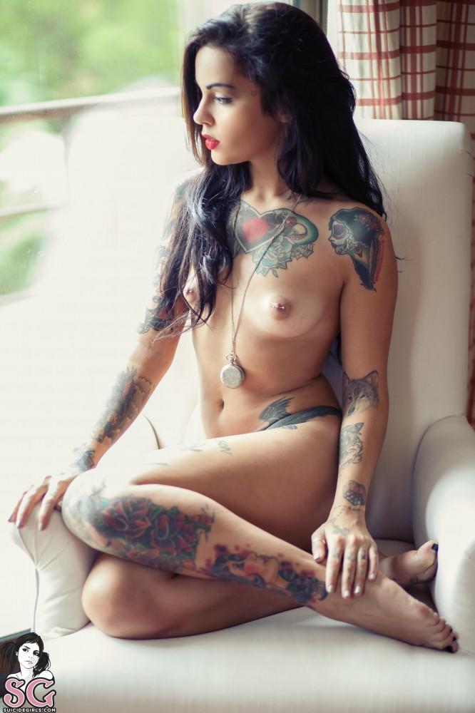 рисунки татуировекими секс фото с на девушки красивые теле