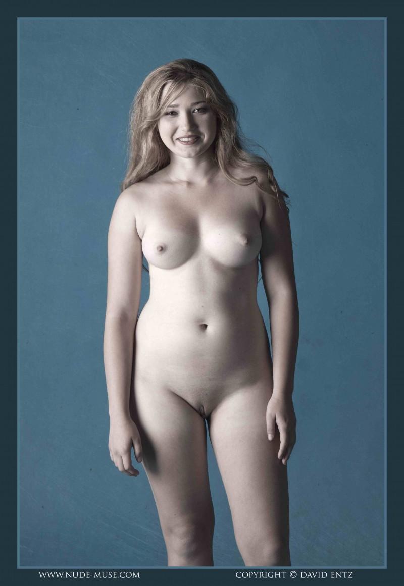 У телки гигантские дойки — 6