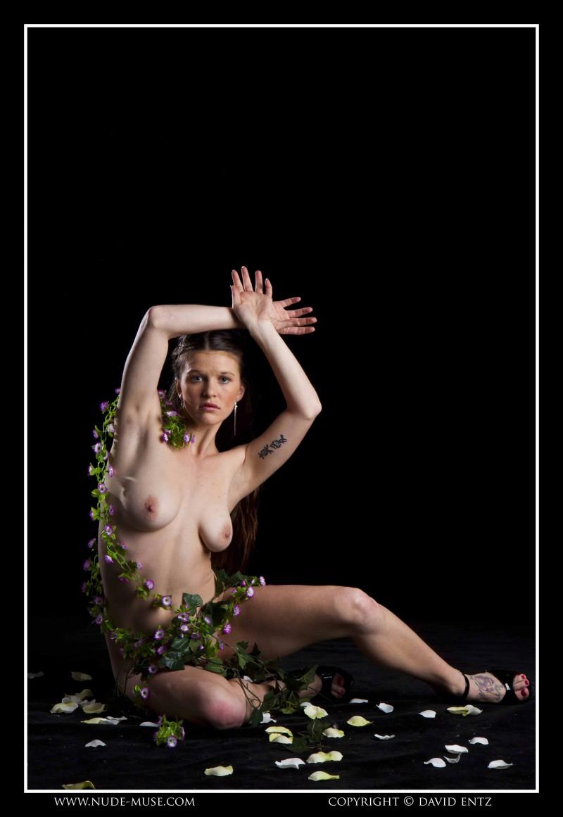 Красивая грудь в цветочках