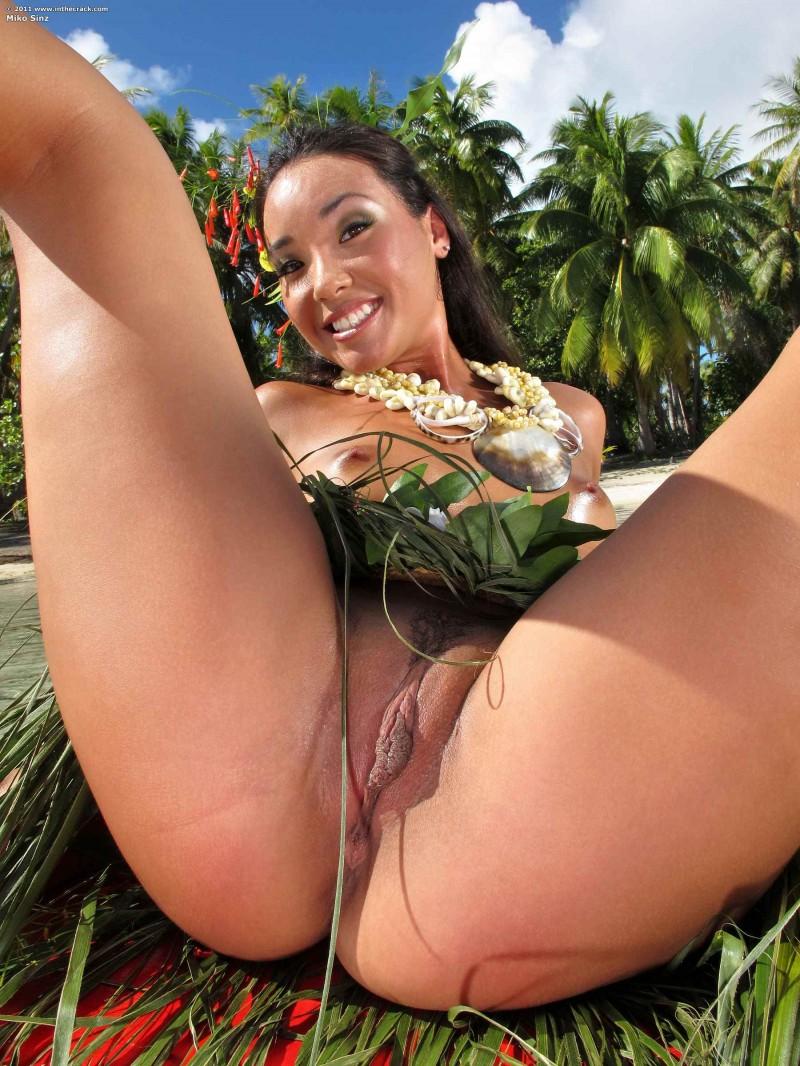 Бразильянка намочила попку