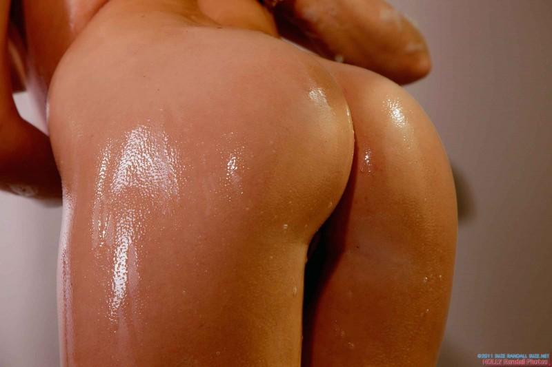 Роскошная жопа мокрой леди
