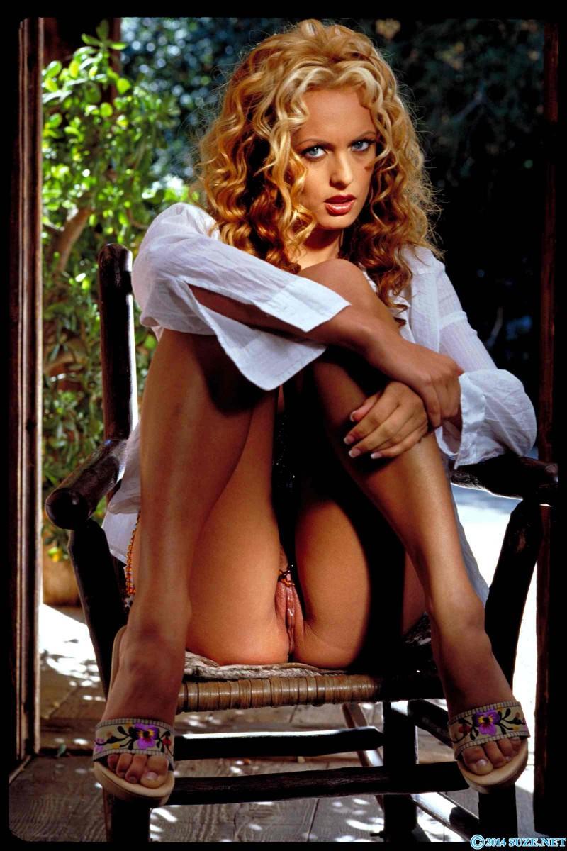 Фото кучерявая блондинка голая — 8