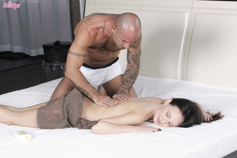 Крутая эротика от похотливого массажиста