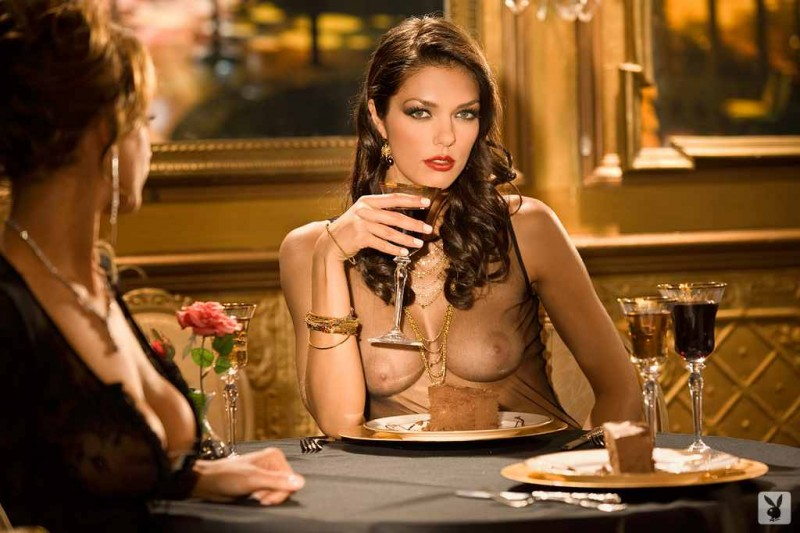 дамы, видео эротичный ужин пришлось уйти школы