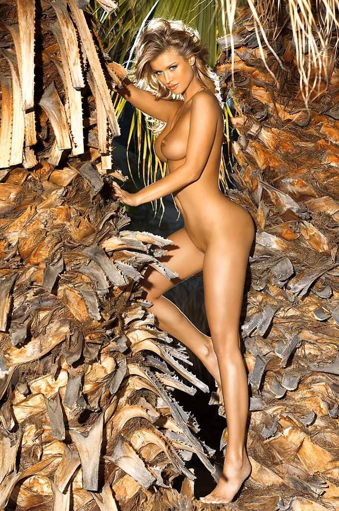 Шикарная леди с красивыми сиськами