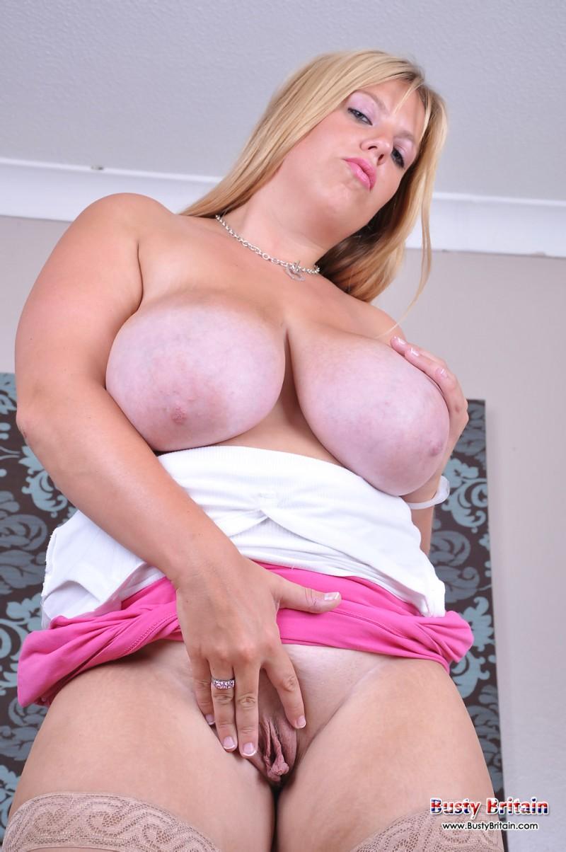 Толстушка с возбужденной задницей секс фото