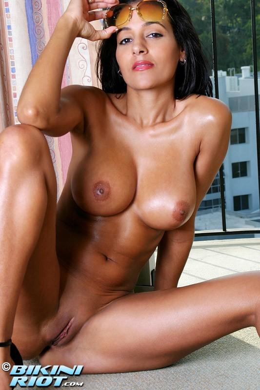 Роскошная мокрая задница крупно секс фото