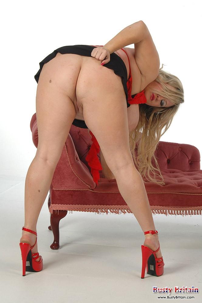 Голая толстушка с стриженной вагиной секс фото