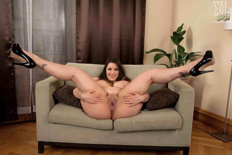 Фееричная толстушка с большими сиськами