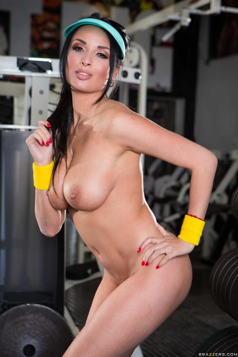 порно красивая попа занимается на тренажерах видео