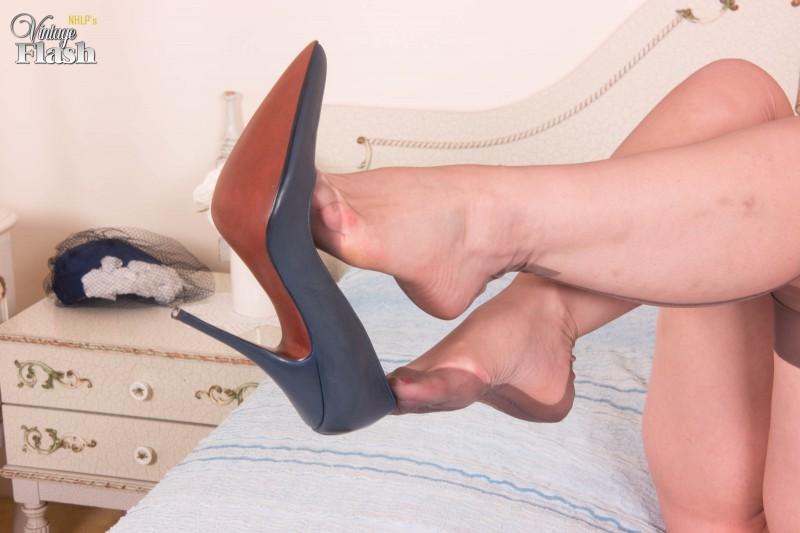 Эротические ножки в носках