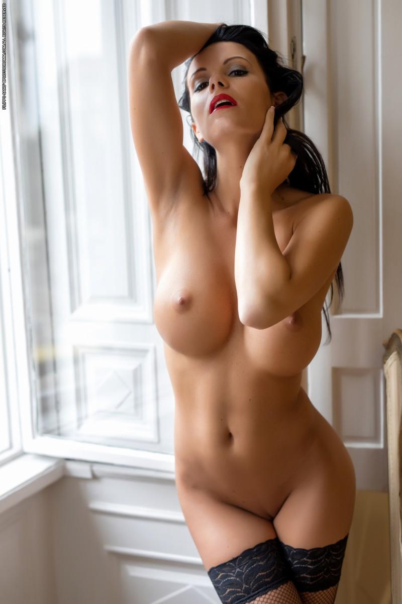 Красотки без одежды фото